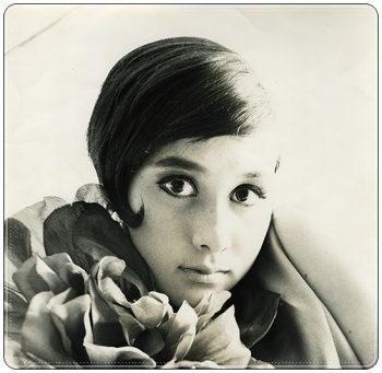 山本リンダ、モデル、若い