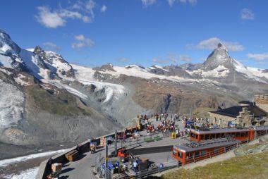 スイス、アルプス、登山列車