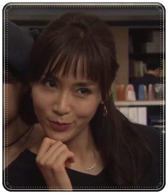 「カンナさーん!」内で顎に手を当て何かをたくらむ表情の山口紗弥加